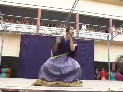 COLLEGE GIRL DANCE.. WOW.. THIS IS INDIAN DANCE.. MUST SEE - Funny Videos - VideofyMe.mp4
