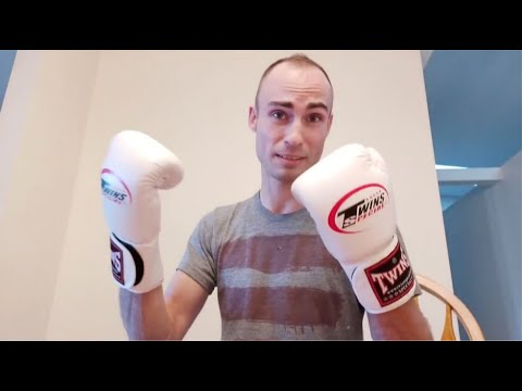 Blog #111: Bought 8oz Twins Boxing Gloves From Wish & Here They Are!