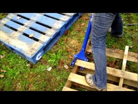 Debbie Uses The Deluxe Pallet Buster To Turn Free Wood Pallets Into Lumber