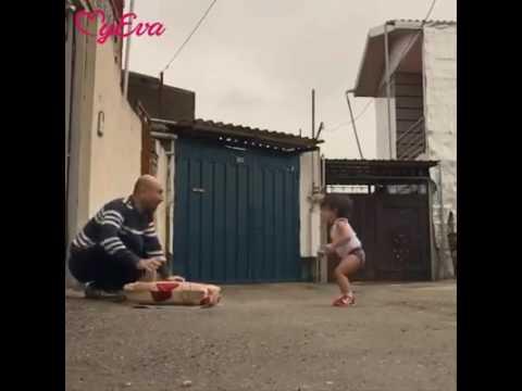 menina fazendo ginástica dos jogos olimpicos