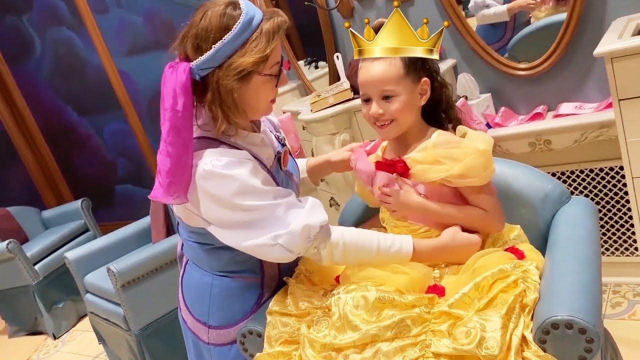 Valentina pontes no salão de princesas