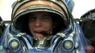 запуск StarCraft 2 в Москве и одевание космодесантника