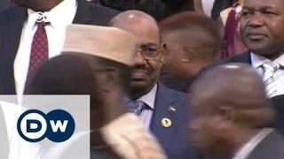 بعد حديث عن مذكرة لاعتقاله.. الرئيس السوداني يصل الخرطوم | الجورنال