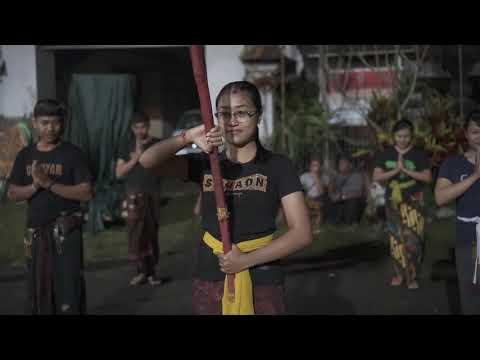 Geladi Bersih Pawai Desa Puhu