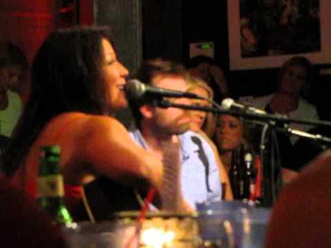 Mallary Hope - She Never Really Falls - Bluebird Cafe 9/3/13