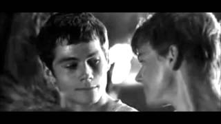 Dylan O'Brien and Thomas Sangster almost kiss