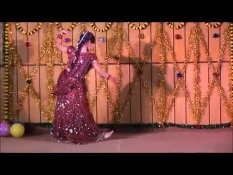 Solo dance on song Manwa lage   Simran...