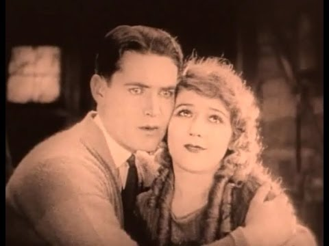"""""""Tess of the Storm Country"""" (1922) director John S. Robertson with Mary Pickford"""