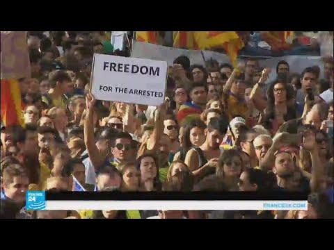 هل توقف الاعتقالات والمداهمات عملية تنظيم الاستفتاء في كتالونيا؟  - نشر قبل 2 ساعة