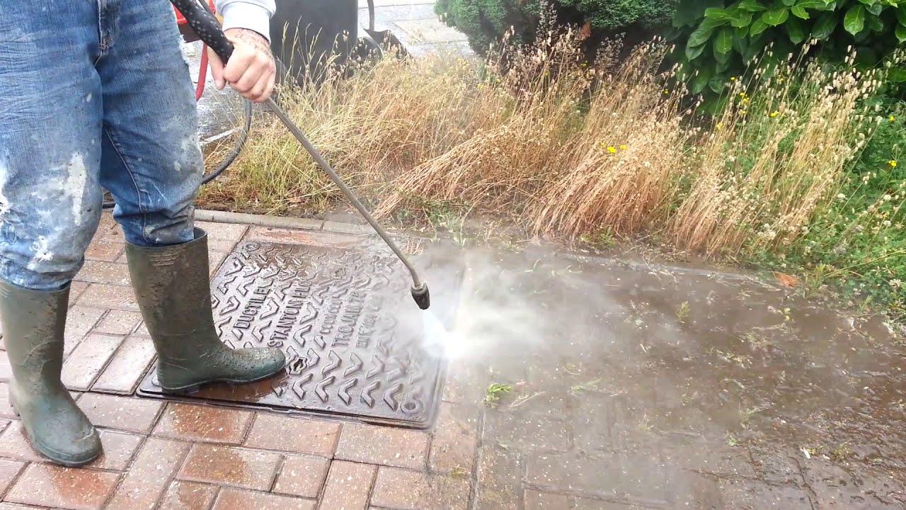 Driveway cleaning hertfordshire herts pressure washing for Clean driveway without pressure washer