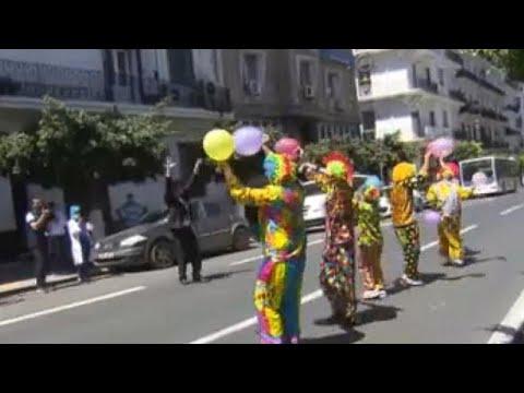شاهد: مهرّجون ينشرون البهجة بين الأطفال في شوارع العاصمة الجزائرية في ظل الإغلاق يوم العيد…  - نشر قبل 9 ساعة