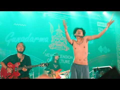 Fourtwnty - Fana Merah Jambu [GUNADARMA FESTIVAL]