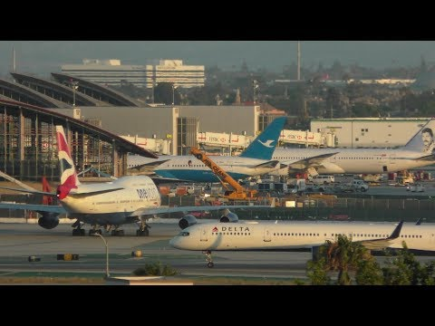 lax-los-angeles-airport-live-with-atc