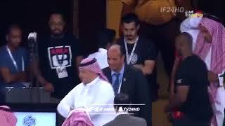 شاهد .. محمد بن فيصل يضرب شاشة الفار