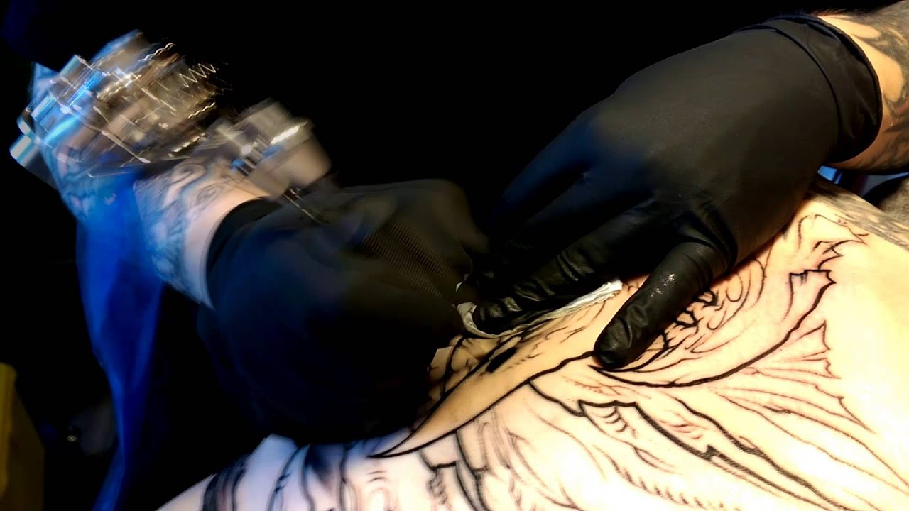 LACEnano and Mike Johnson - Stechwerk tattoo studio Berlin - YouTube - Tattoo Spandau