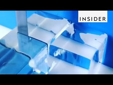 How Ice Cubes Are Cut