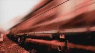 Quelqu'un vous attend. N'essayez pas d'arriver avant le train.