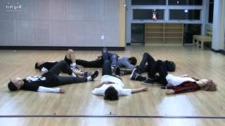 Красивые парни красиво танцуют (BTS I need u)