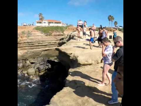Guy Bellyflops into Diving Spot
