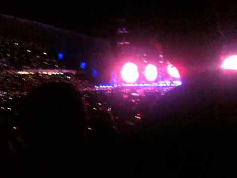 Coldplay Live in Sydney 2012 - Paradise