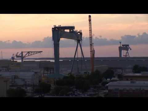 New Crane Rises at NNS
