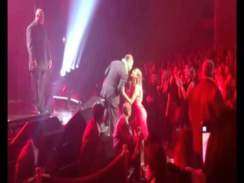Luis Miguel besa tiernamente a su hija Michelle Salas (Las Vegas 2014)