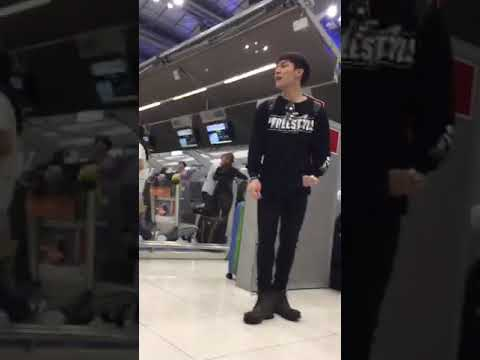 6MoonsAsiaTour at airport  to Tianjin China 🇨🇳   16.12.2017 [ Fan Live]  1