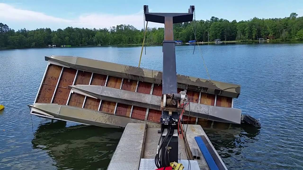 Barge Flipping Over A Double Decker Tritoon Pontoon Youtube