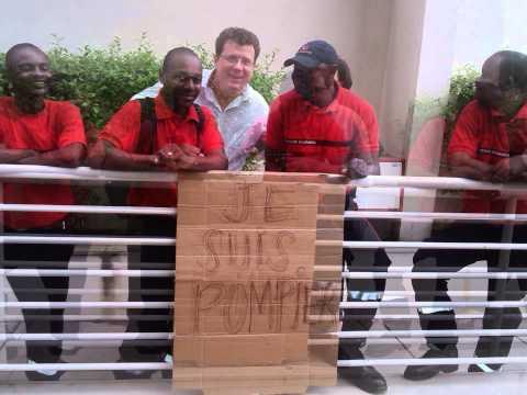 Les Pompiers total E&P Angola très fâchent, ils ont une mauvaise condition de vivre.