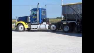 2007 Freightliner FLD132 XL Classic tri axle semi truck | sold at auction September 26, 2013