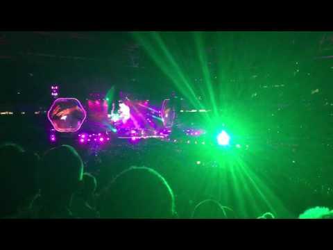 Coldplay LIVE Brisbane 2016 tour - Paradise