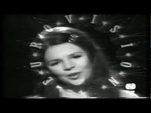 Julio Iglesias Y Masiel Presentan a Dana 3D  Ganadora Eurovisión 1970  Pasaporte a Dublin  3D