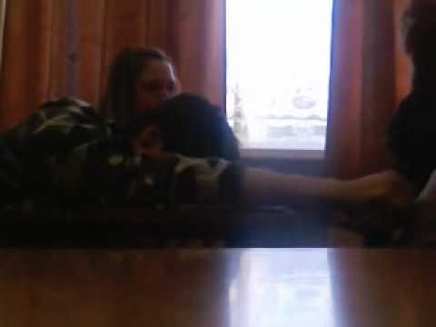 Егор спит на уроке литературы.