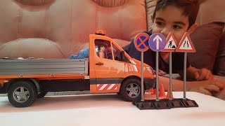 Bruder Toy MB Sprinter Municipal with driver and accessories