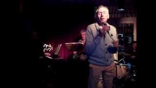 Adriaan zingt Stiekem gedanst sept2013