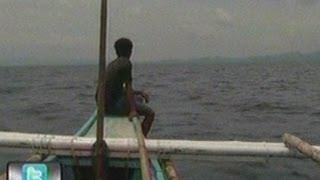 24 Oras: Mangingisda, nagkwento kung   paano nailigtas ang aide-de-camp ni Sec.   Robredo