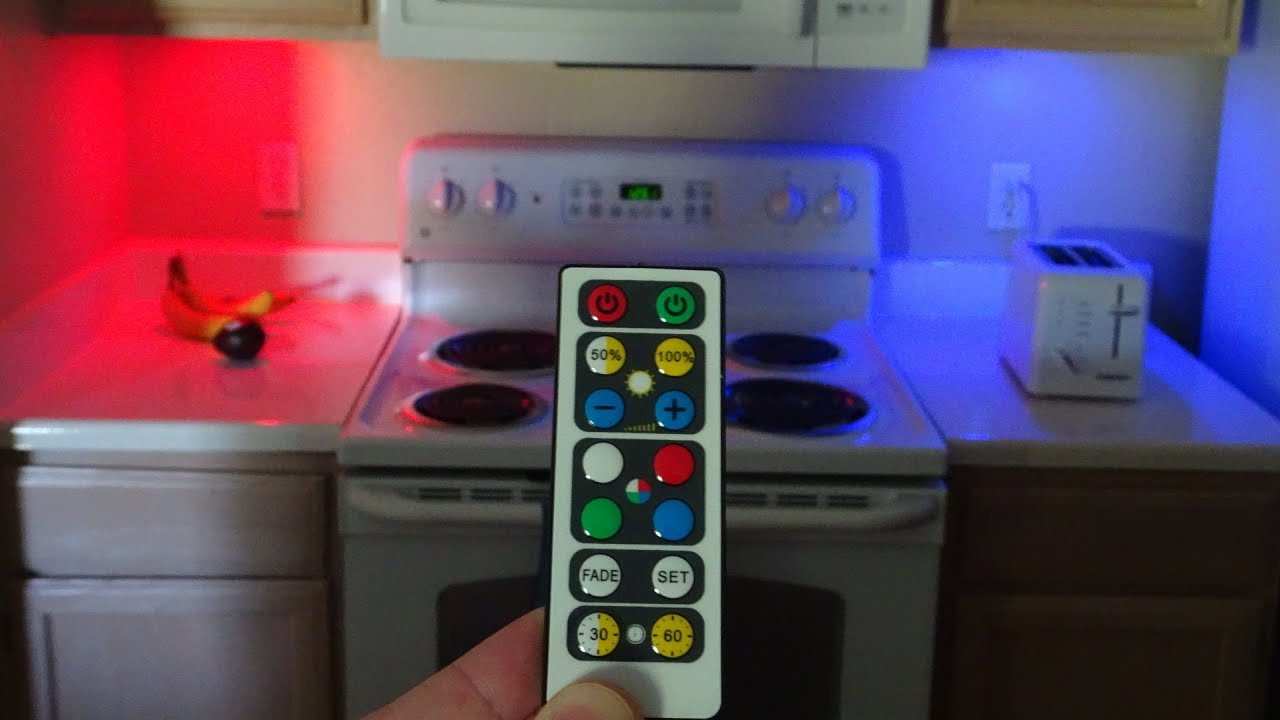 Color Changing Brilliant Evolution Wireless Led Puck Light For Under Cabinet Lighting