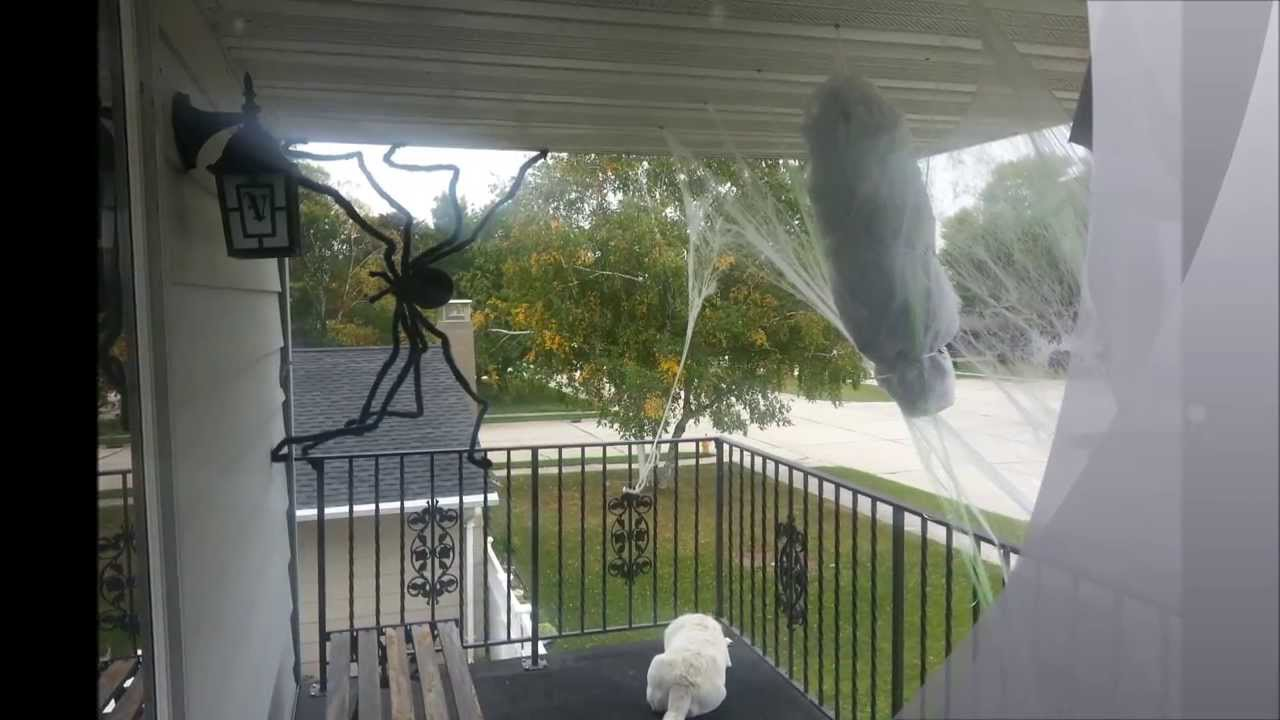 spooky man caught in spider web cheap halloween decoration diy youtube - Halloween Spider Decoration
