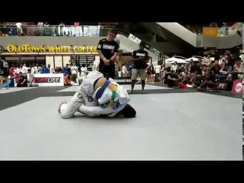 Dumau Singapore Open 2018 - Shem Rock vs. Noah Lim (BJJ Blue Belt Absolute Round 1)