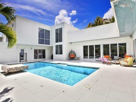 Coconut Grove Houses for Sale - www.WiseCatRealtors.com