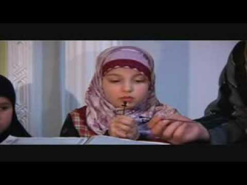 11 Jährige Deutsche rezitiert den Koran !