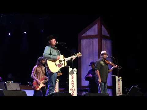 Time Marches On by Tracy Lawrence LIVE at the Grand Ole Opry Mp3