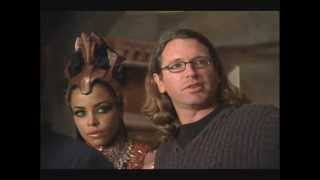 Video Aaliyah on the set of 'Queen of the Damned' download MP3, 3GP, MP4, WEBM, AVI, FLV Januari 2018