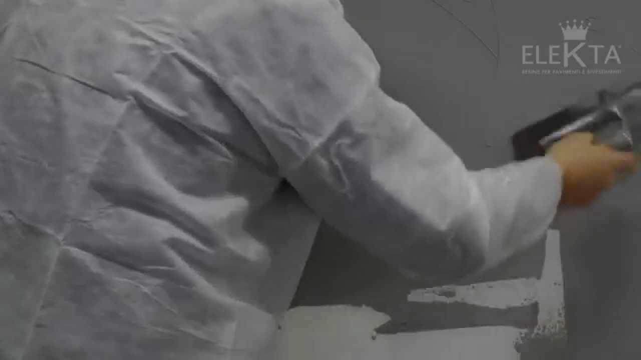 Finitura materia monokroma su parete resina elekta youtube for Resina elekta