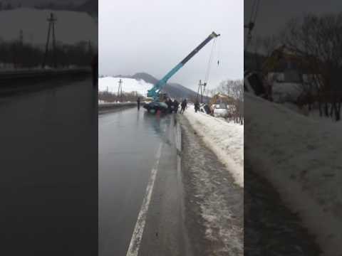 На трассе Южно-Сахалинск - Холмск из-за утренней аварии вечером образовалась большая пробка