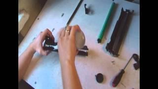 Как заправить картридж 725?(Данное видео наглядно демонстрирует как в домашних условиях заправить картридж 725-й, который подходит ко..., 2013-06-07T11:54:19.000Z)
