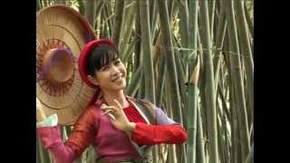 MC Quỳnh Hoa - Trăng sáng trong làng