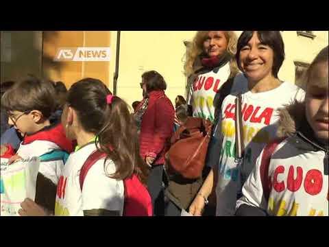 LA CARICA DEI 50 MILA CONTRO LE MAFIE | A3 NEWS Ve...