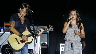 Download Keith Urban & 11 year old Lauren Spencer-Smith WOW crowds live in concert in front of 20,000+ Mp3 and Videos