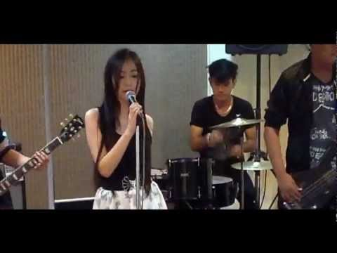 Sugar Eyes Ver.Rock Cover by Nitaa & วงโฟร์แชร์